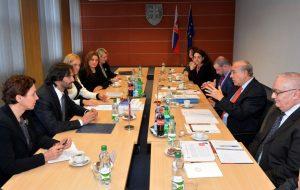 Zasadnutie MV SR s predstaviteľmi OECD